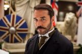 Jeremy-Piven-as-Harry-Selfridge